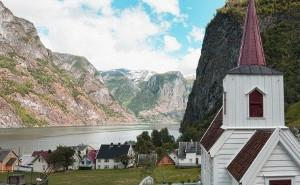 24-DAY MAJESTIC FJORDS & JEWELS OF THE BALTIC